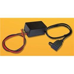 ŁADOWARKA SAMOCHODOWA UNIWERSALNA (NP DO NAWIGACJI) USB 12V-5V/2 1A NA KABLU ZAMYKANA